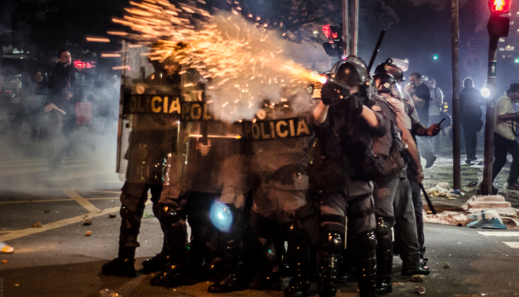 repressa%cc%83o-policia-3